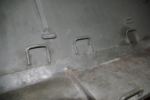 T34 フェンダーの上にある金具